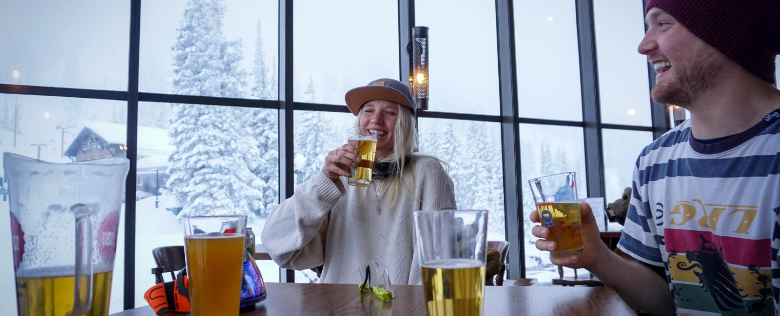 The 7 Habits of Skiers: Communication via Après-ski