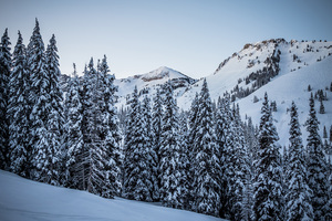 Don't Delay: Early-Season Ski Deals for 2019–20 thumbnail