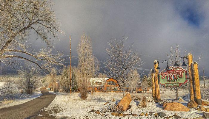 Snowberry Inn_Outsidejpeg