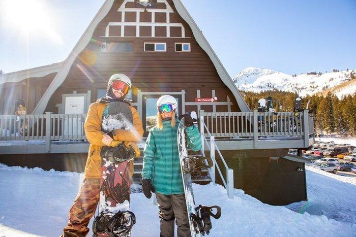 2018-19-Sean_Ryan-Brighton-Snowboarding-2019_SkiUtah_Brighton_SeanRyan-9213-720x480-f3a5fe96-0141-482b-9560-10636b4134c6jpg