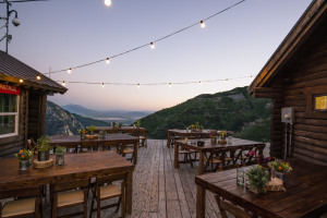 Best of Summer On-Mountain Dining and Drinks thumbnail