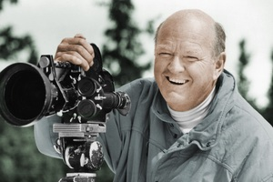Die Living: Groundbreaking Filmmaker Warren Miller Passes Away at Age 93 thumbnail