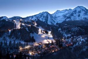 Night Skiing: Sundance Resort Leaves the Lights On thumbnail