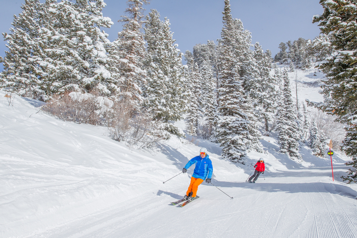Planning a Perfect Romantic Ski Getaway