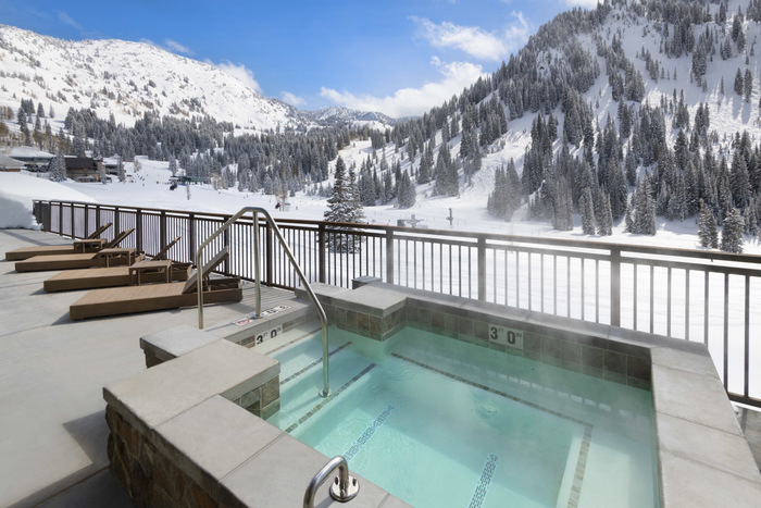 Snowpine Outdoor-Hot-Tubjpg
