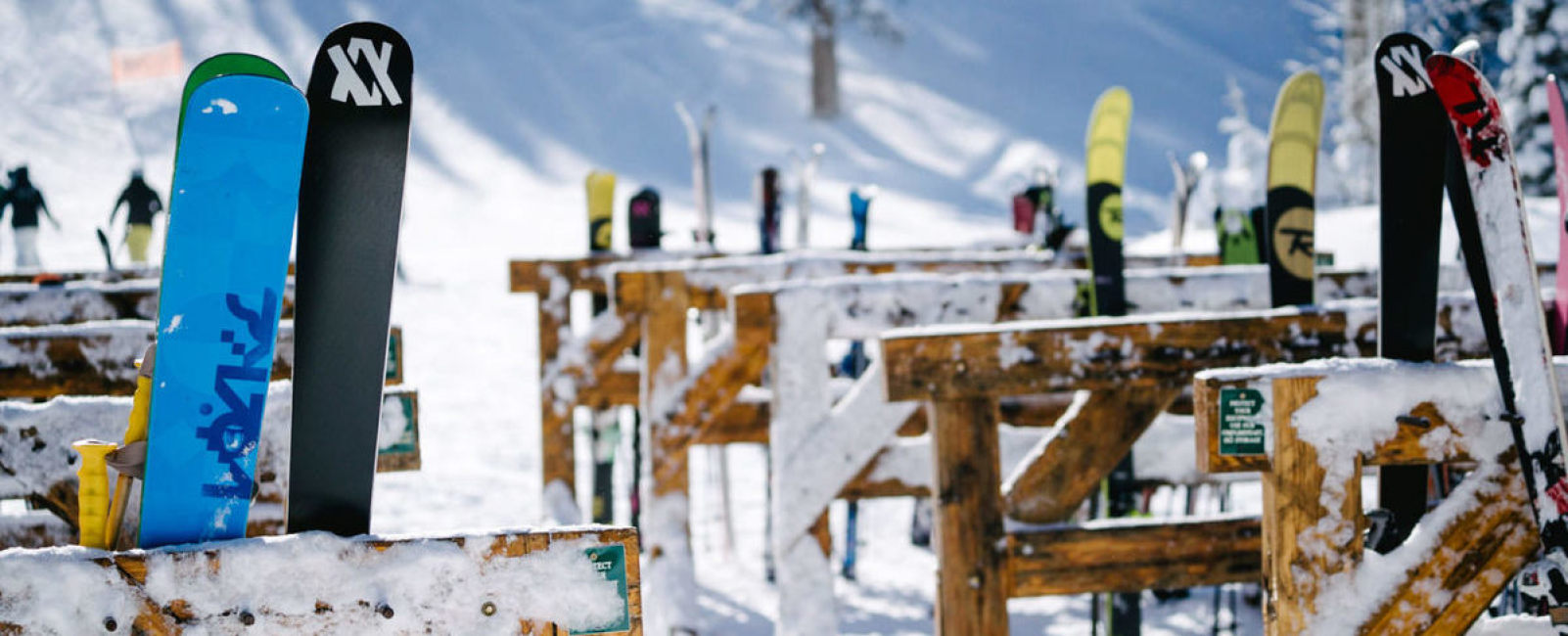 10 things NOT to pack on your ski vacation!