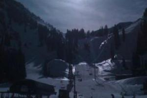 The first ski day of the season...take it EASY on the little guys and FREE skiing under 6! thumbnail