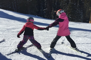 10 Reasons Why Ski Lessons Trump Parents' Instruction  thumbnail