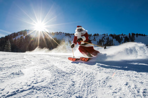 Holiday Gift Guide | Gifts For A Skier thumbnail