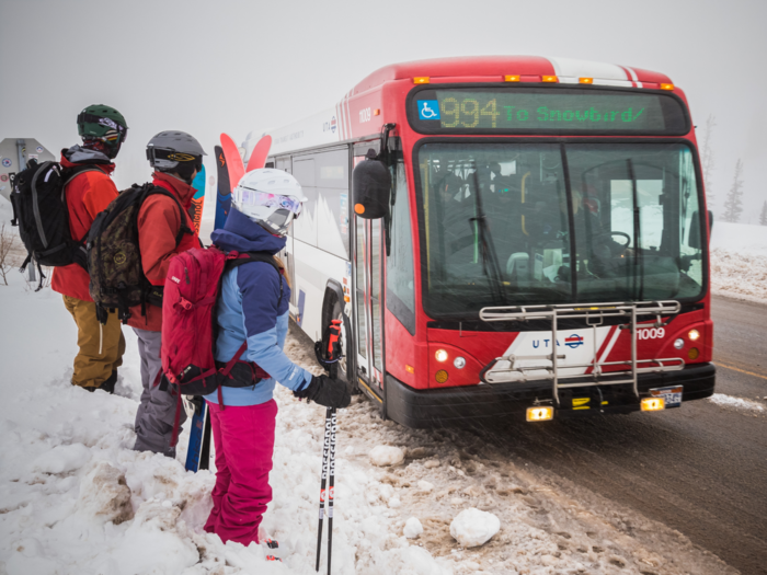 Ski Utah Article Image  - Bus Stoppng