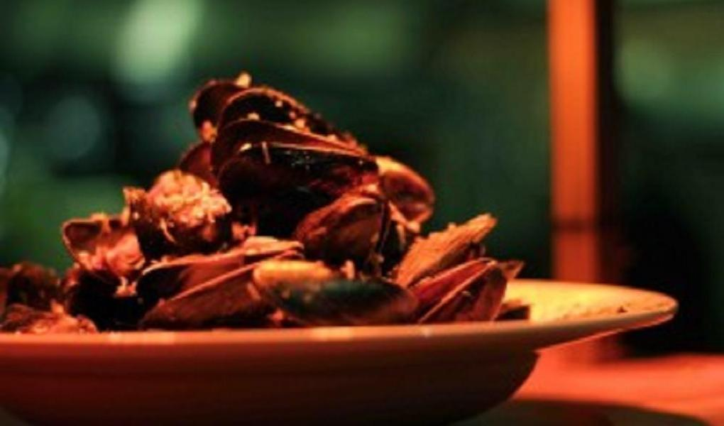 At Reefs, the mussels in coconut milk, lemon grass, red curry & sake is perfect for chilly days.