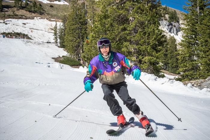 George Skiing