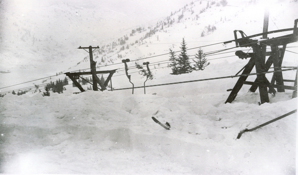 Snow buries the top terminal of the Collins lift