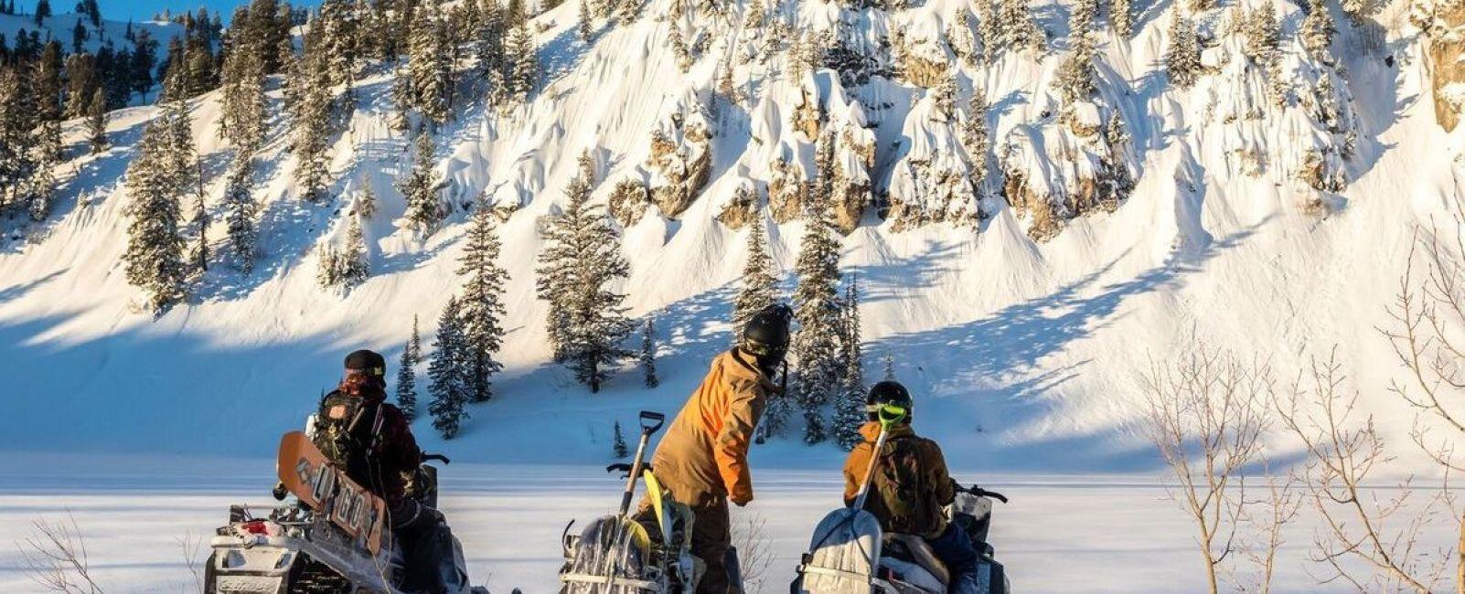 Powder People: Snowboard Photographers