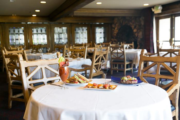 Glitretind Restaurant Table Settingjpg