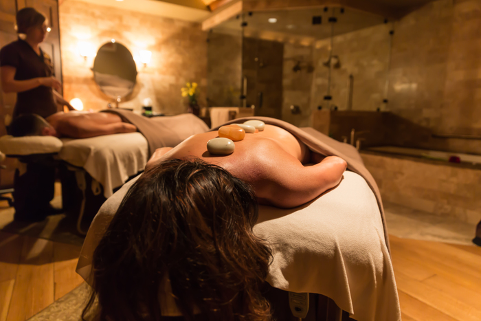 SEL_Spa_Couples_In_Treatment_Roomjpg