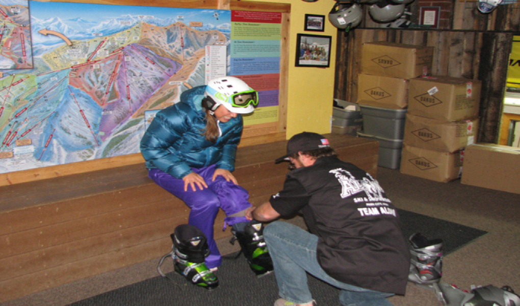 Aloha Ski and Snowboard Rentals - Boot Fitting
