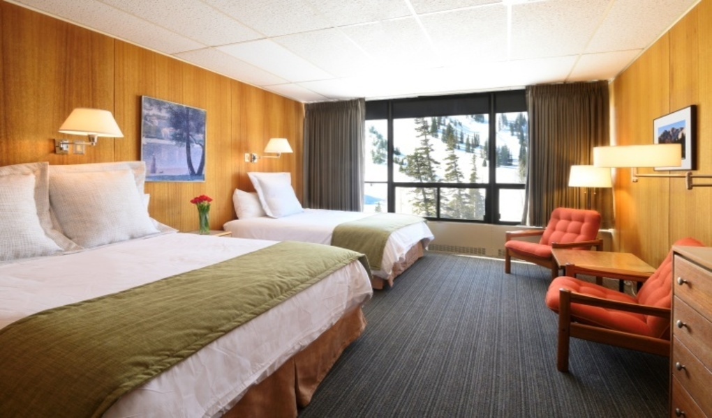 Slope-facing standard room