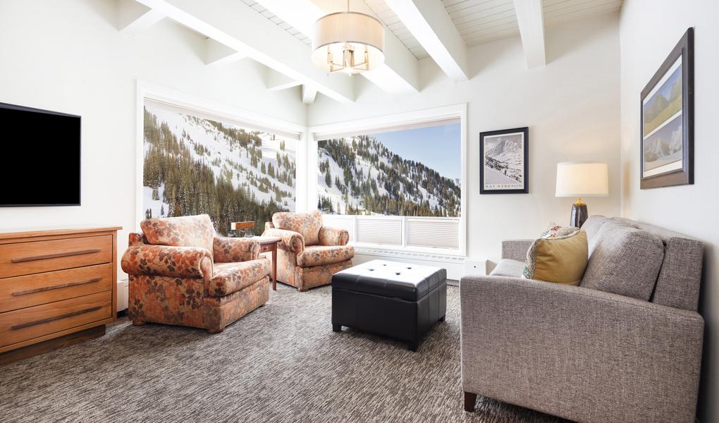Small Albion Suite- Bronson Suite