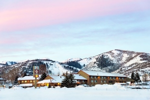 Best Western Plus Landmark Inn & Park City Pancake House