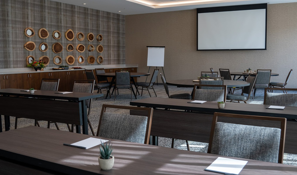 Conference & Meeting Space