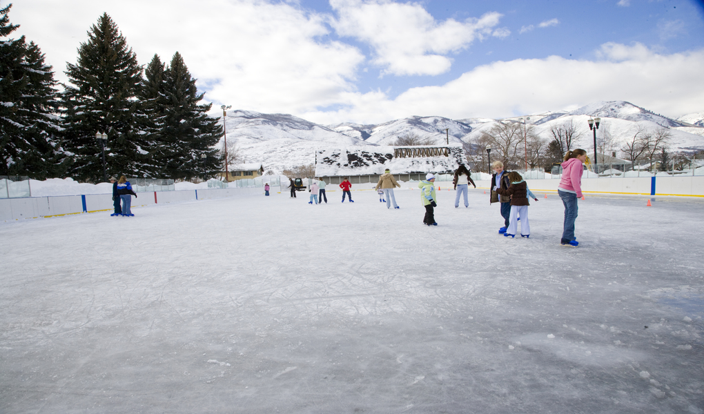 The state's largest outdoor ice skating rink with the world's most beautiful scenery