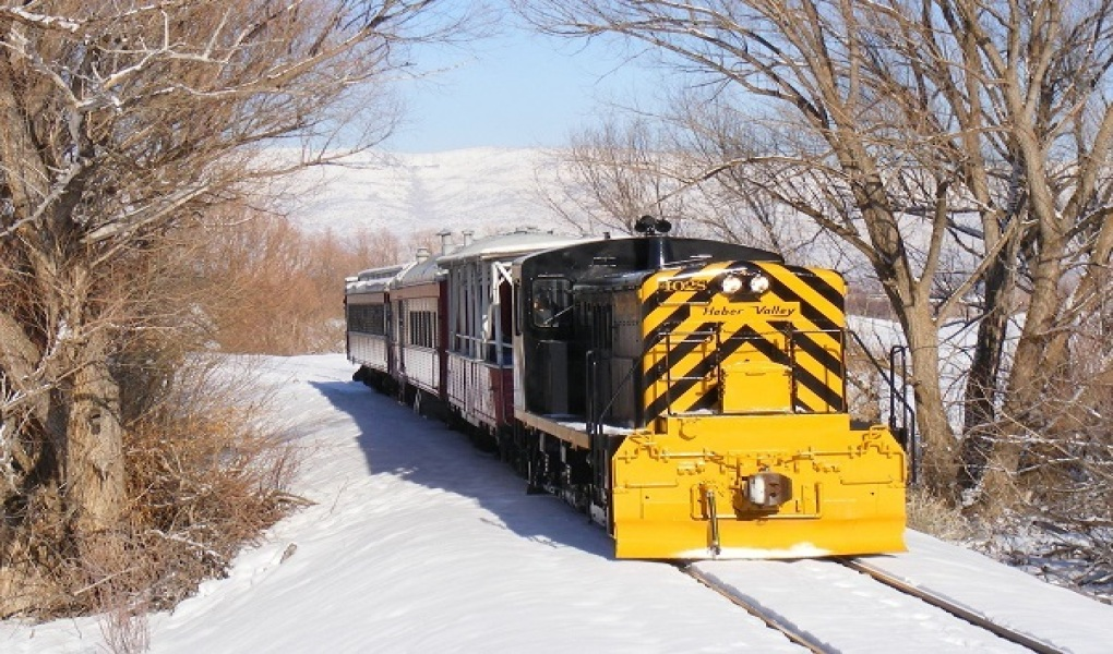 Take a scenic train ride on the Heber Valley Railroad