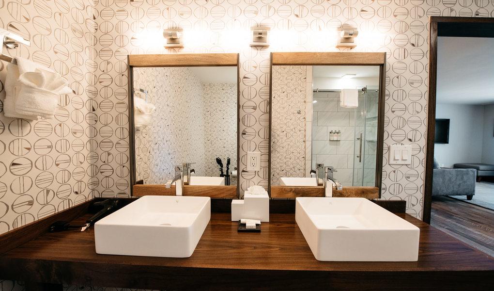 King Suite Bathroom