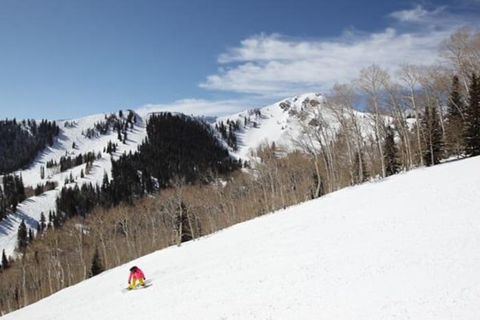 Peak to Peak Guided Snowboard Lesson