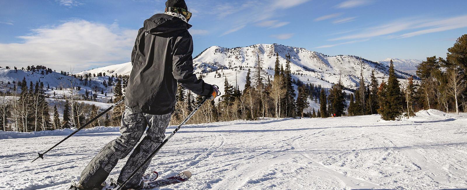 Powder Mountain First Time Ski and Snowboard Program