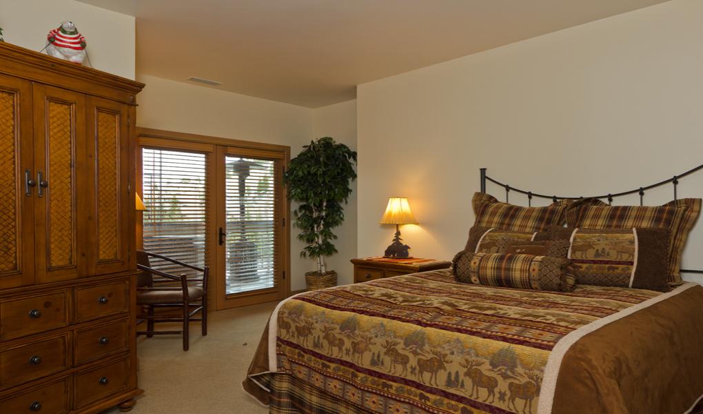 Bedroom at the Royal Plaza.