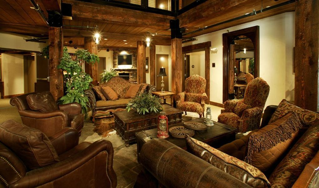 Silver Baron Lodge Lobby