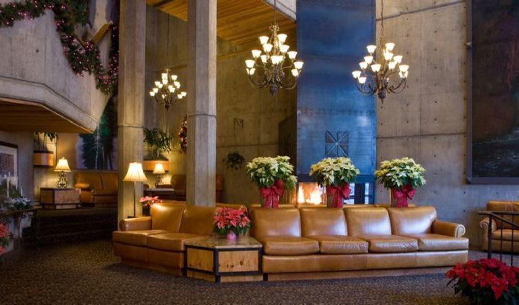 Lobby of The Iron Blosam