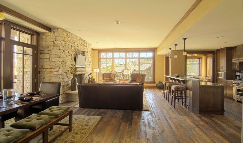 Living and Dining Area at Arrowleaf