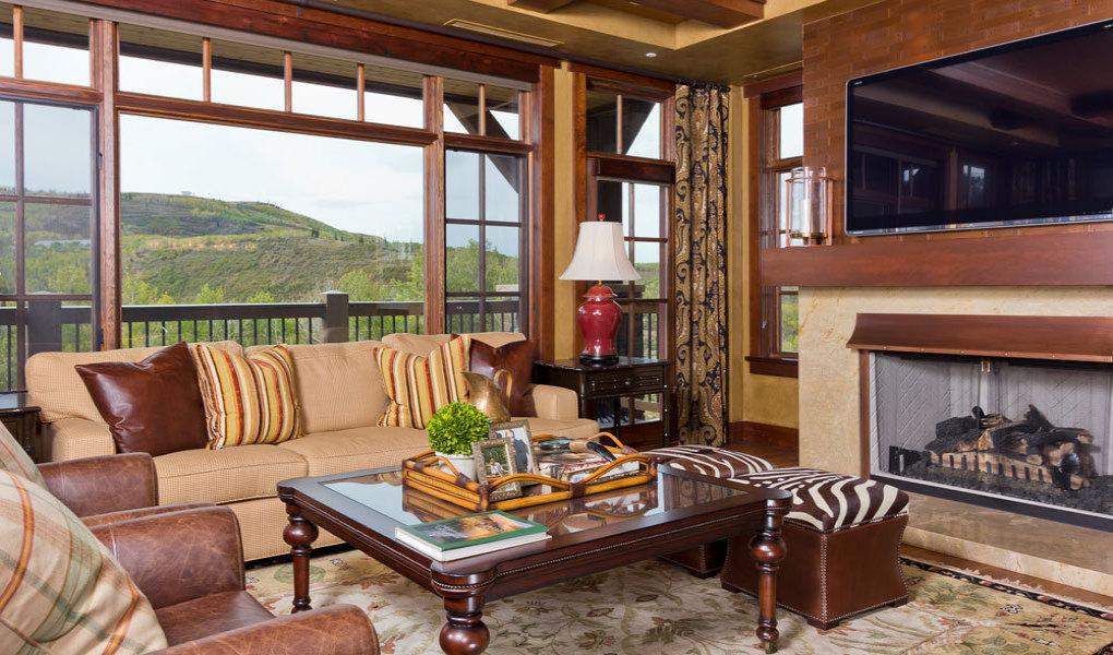 Flagstaff Lodge Living Area