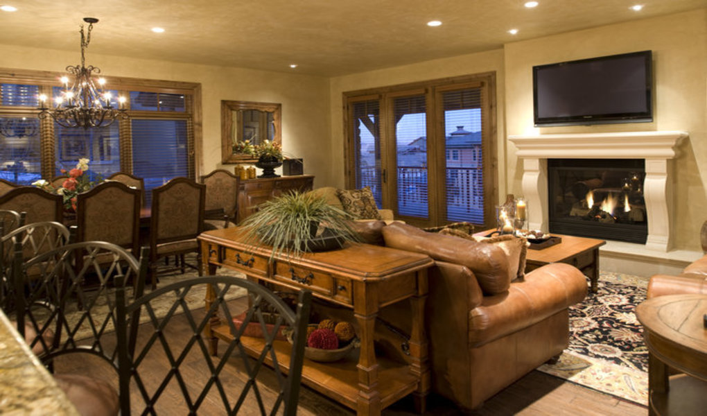 Large Dining Areas