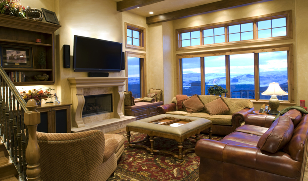 Luxury Mountainside Living Areas